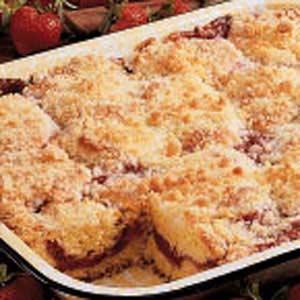 strawberry-rhubarb-coffee-cake